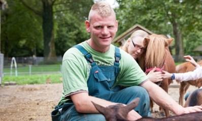 We behandelen steeds meer cliënten die wonen op een zorgboerderij